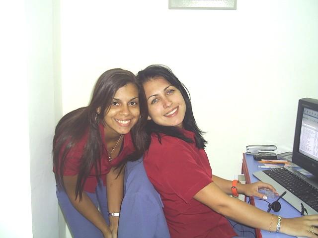 Evelyn Regly e Dani Serrano: 12 anos de amizade. Na foto as duas quando se conheceram no trabalho.