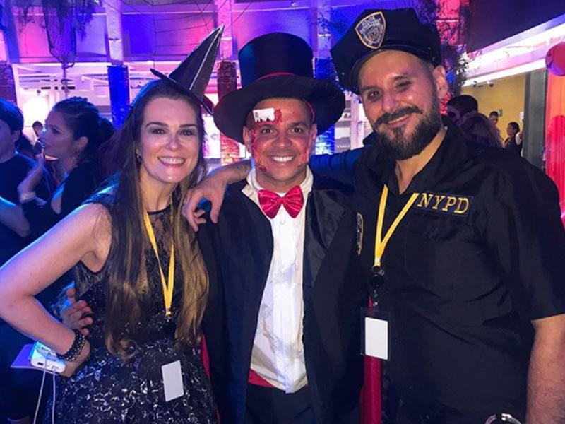 zaida campbell e renato giannini, da agência Razow: organizadores da festa de 3 milhões da evelyn regly ao lado de diego bigú.